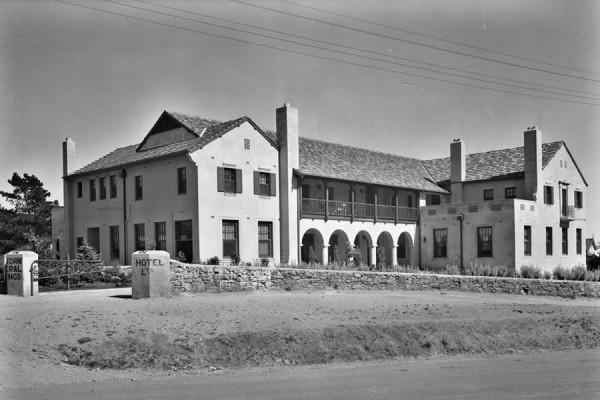 A picture of the Mineral Springs Hotel, Hepburn Springs, 1937